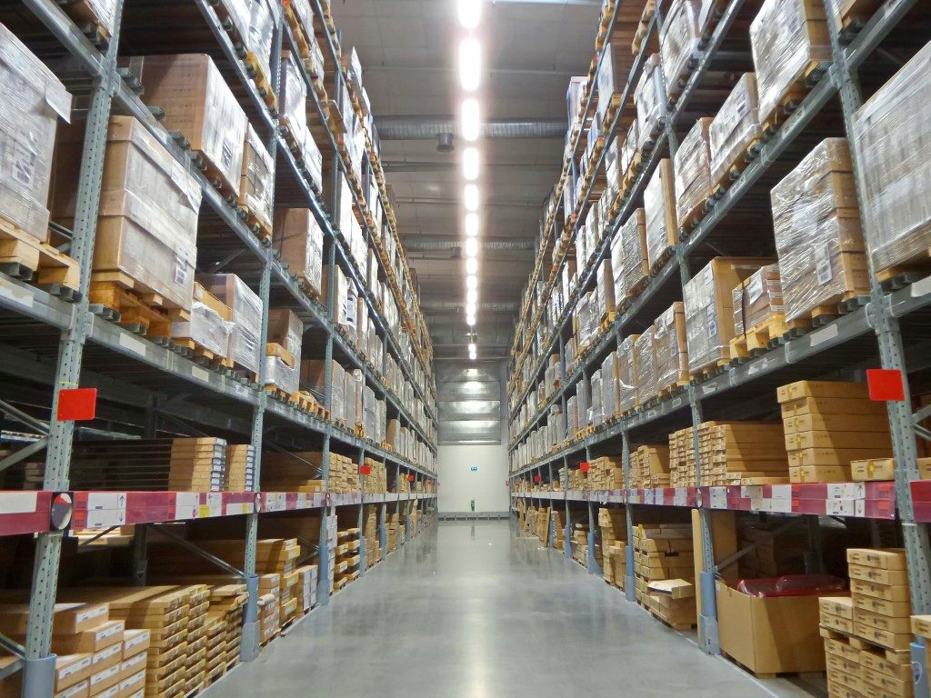Warehouse with a wide aisle